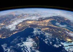 کره زمین از فضا ( دوبله فارسی)